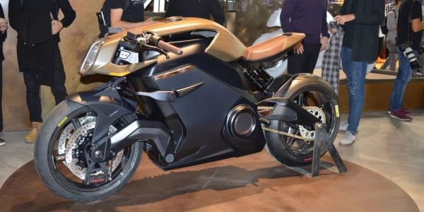 Arc Vehicle présente sa moto Vector, ultra moderne et design