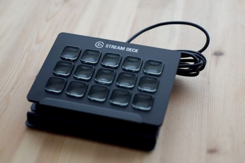 Elgato Stream Deck:  l'outil indispensable pour streamer ?