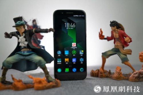 Xiaomi Black Shark:  des photos du smartphone gamer sous tous ses angles