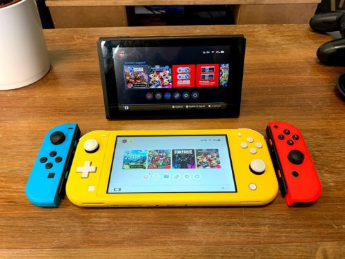 Nos photos de la Nintendo Switch Lite:  on est déjà fans du format