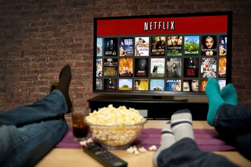 Dossier:  Netflix, Apple, Disney, Amazon. La guerre du streaming aura bien lieu