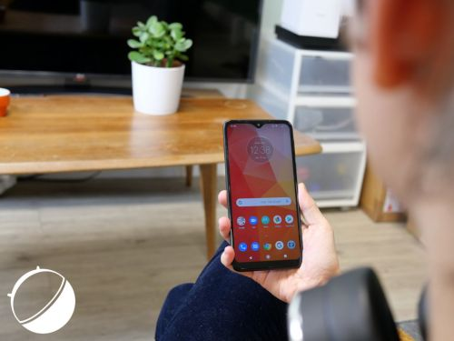 Test du Motorola One Macro:  il voit les choses en grand