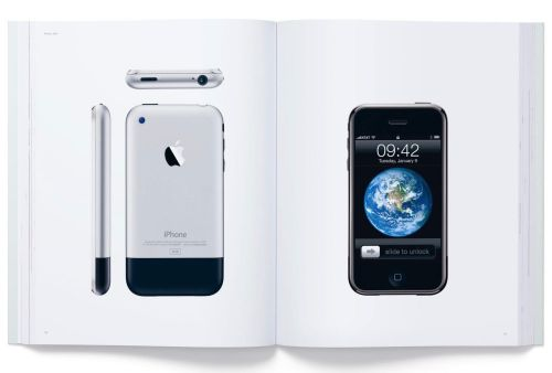 Designed by Apple in California:  Apple cesse de vendre son livre sur le design