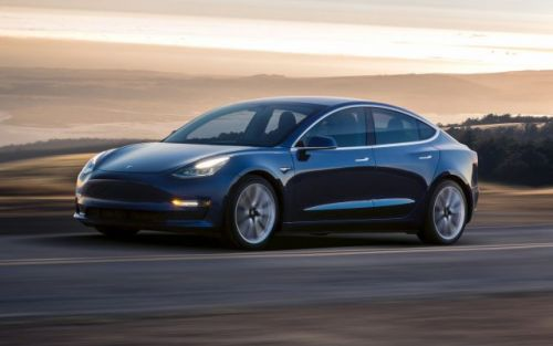 Tesla dévoile la Model 3 Dual Motor capable de passer du 0 à 100 km/h en 3,5 secondes